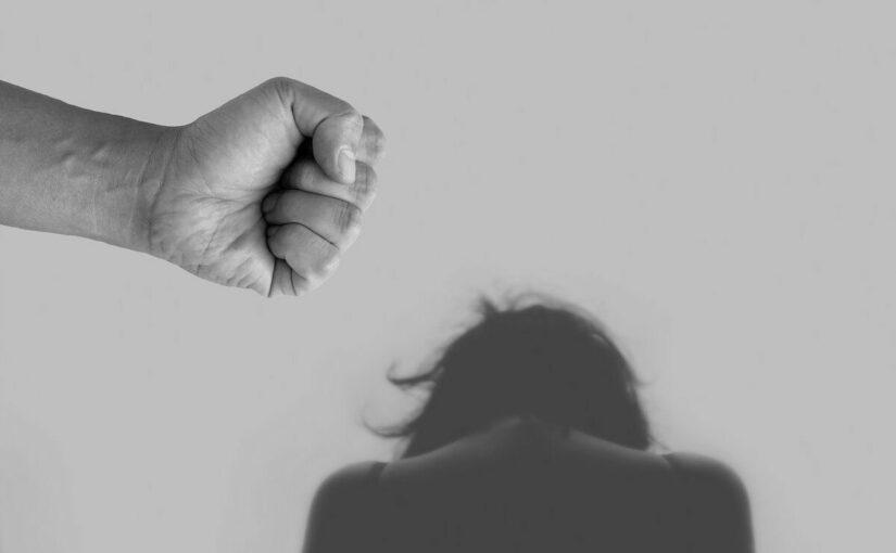AI163 Weniger Frauen melden sich im Frauenhaus: Opfer von häuslicher Gewalt versuchen im Corona-Lockdown durchzuhalten